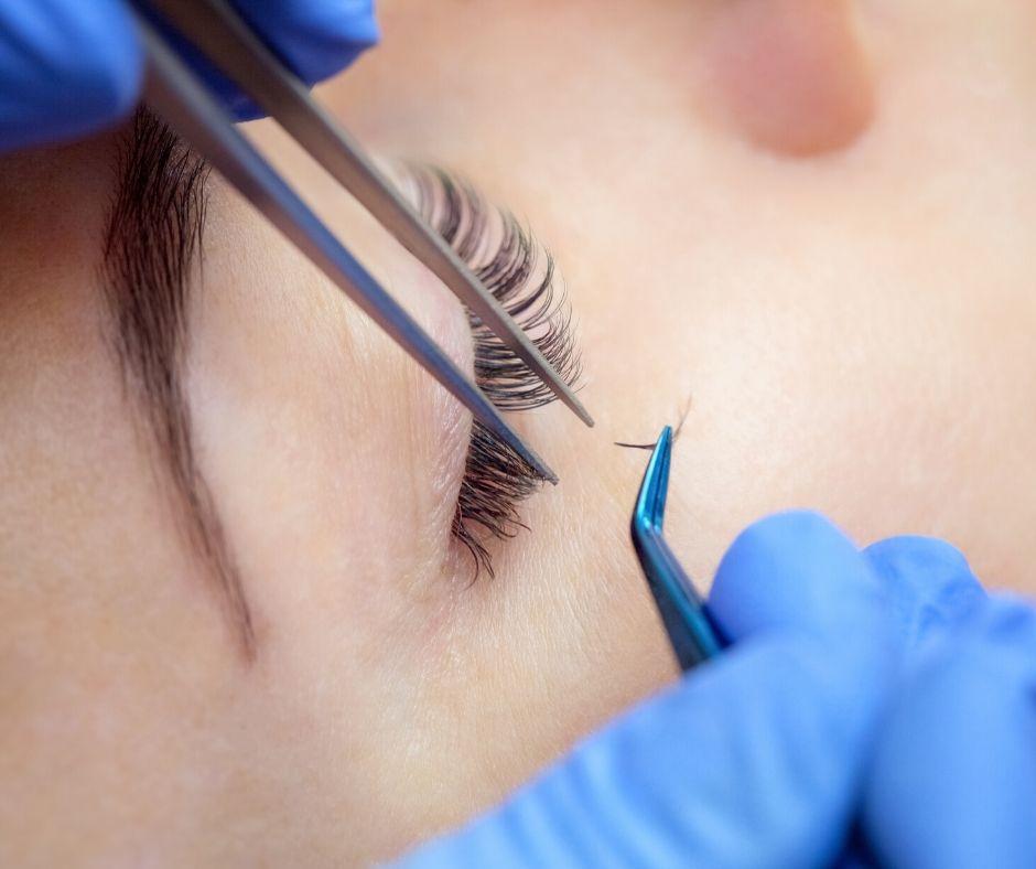 semi-permanent lash extensions