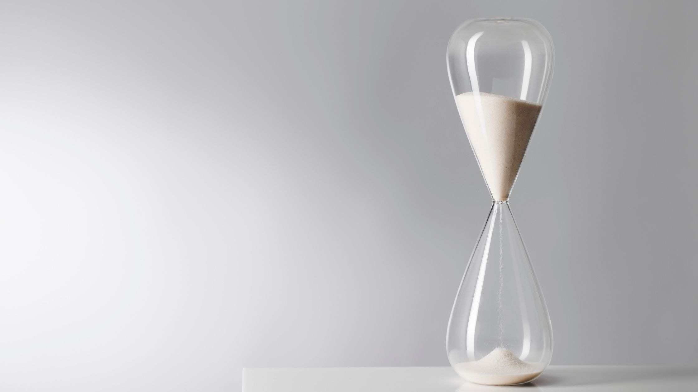Hourglass indicating time for a quick makeup routine