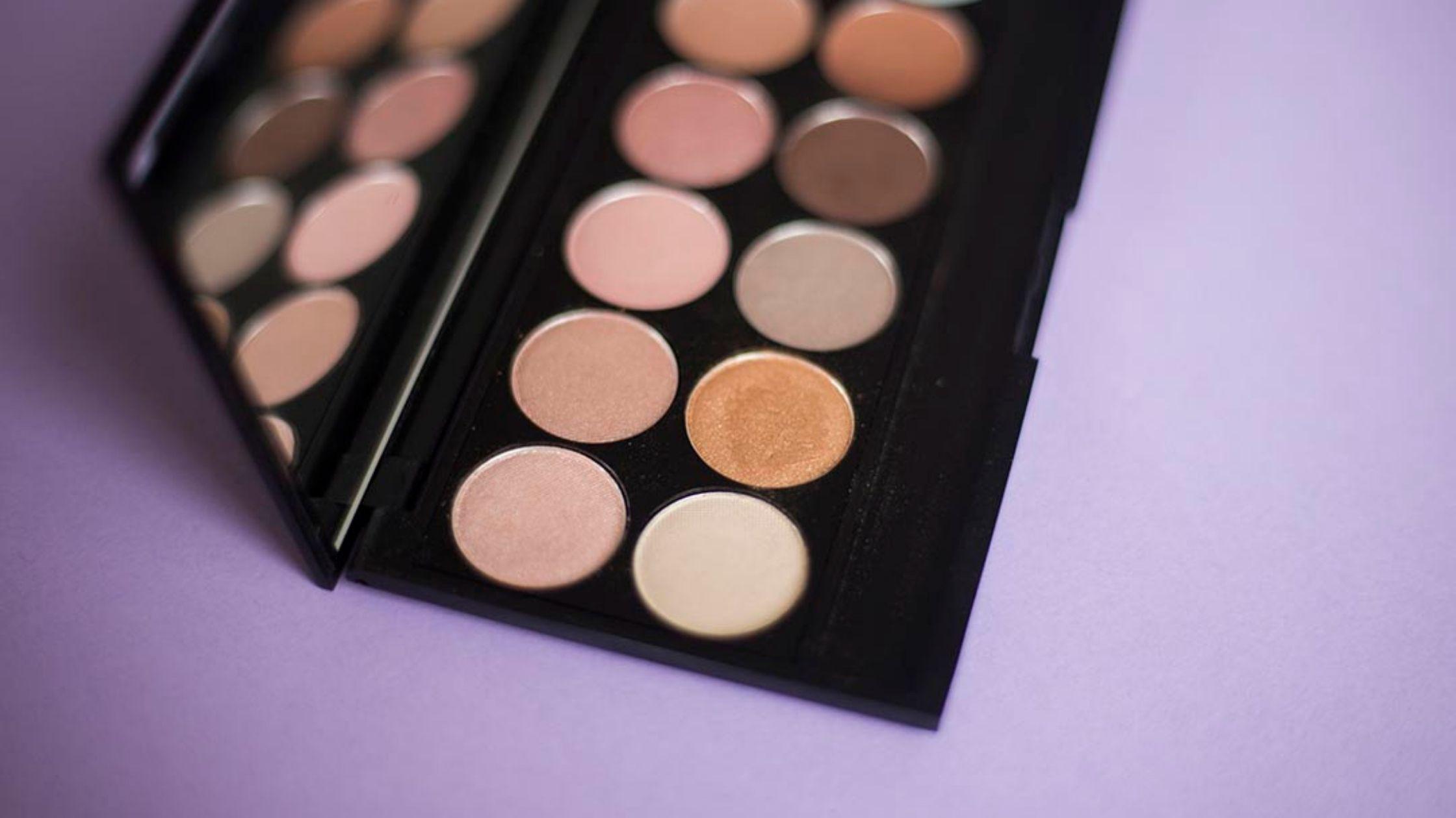 makeup palette for a quick makeup routine